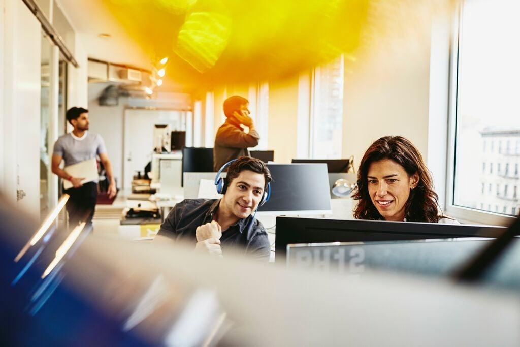 dlaczego firmy z branży IT powinny inwestować w młodszych specjalistów