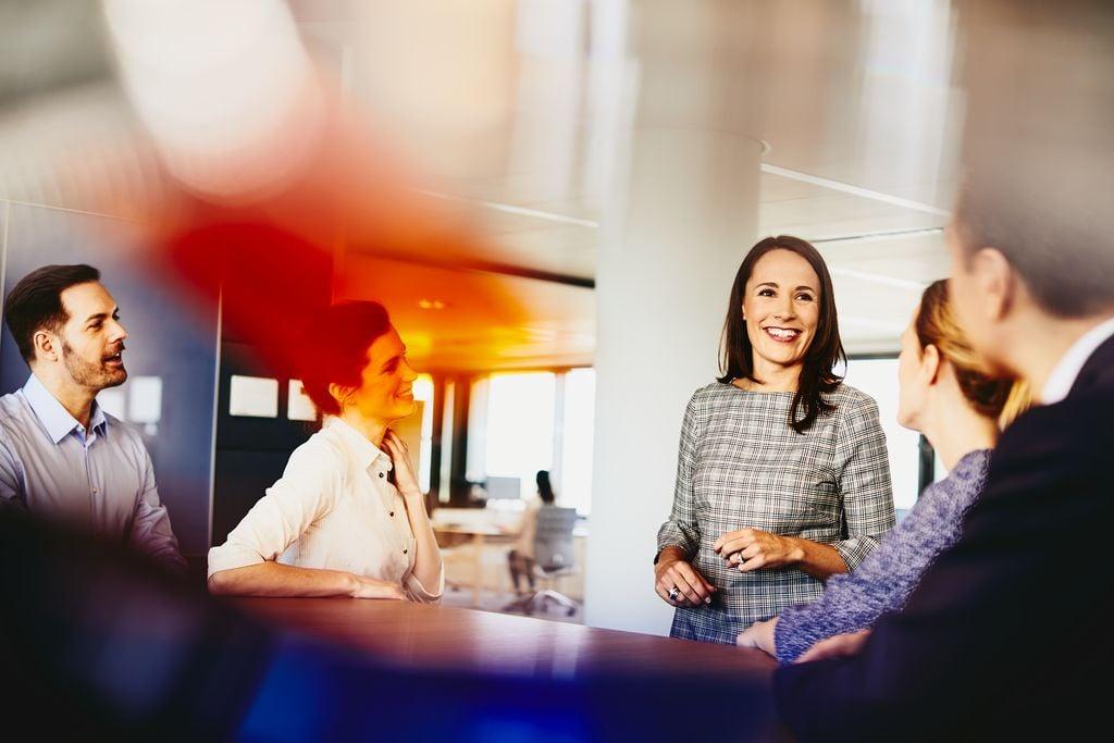 w_jaki_sposob_przedstawic_kulture_ organizacyjna_ firmy_by przełozyla_sie_na_pozyskiwanie_talentow
