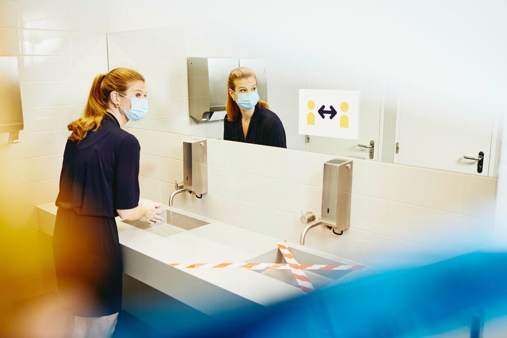 Jak w dobie pandemii dbać o rozwój personelu, Zmiany w potrzebach pracowników, środki ochrony osobistej