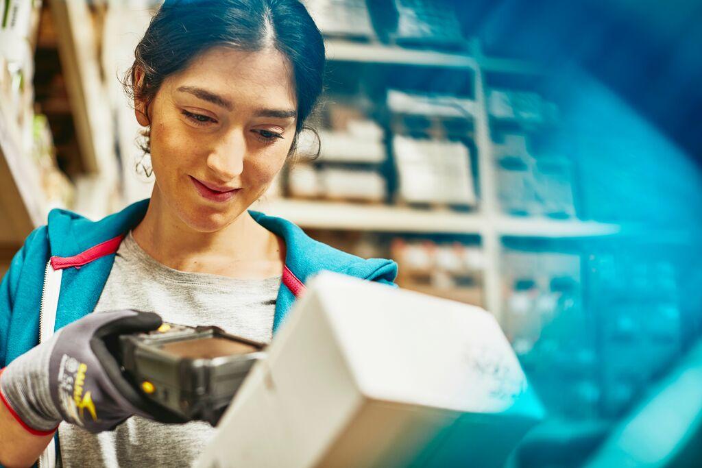 dobrostan pracowników, efektywność i dobrostan w firmie produkcyjnej, lean management